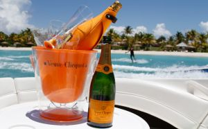 yacht-charter-antigua-barbuda-guests-veuve-clicquot-8.jpg