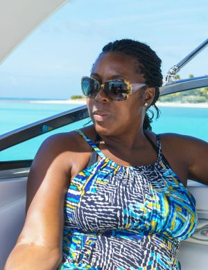 yacht-charter-antigua-barbuda-guests-portrait-15.jpg