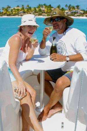 yacht-charter-antigua-barbuda-guests-portrait-8.jpg