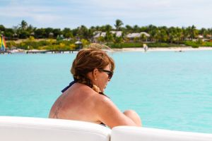 yacht-charter-antigua-barbuda-guests-12.jpg