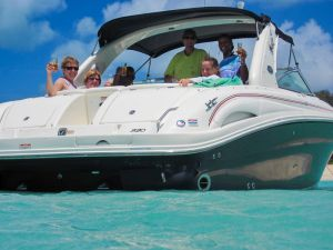 yacht-charter-antigua-barbuda-guests-14.jpg