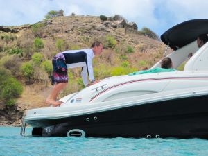 yacht-charter-antigua-barbuda-guests-15.jpg