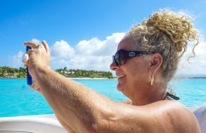 yacht-charter-antigua-barbuda-guests-20.jpg