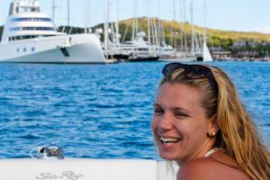 yacht-charter-antigua-barbuda-guests-3.jpg