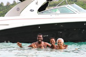 yacht-charter-antigua-barbuda-guests-35.jpg