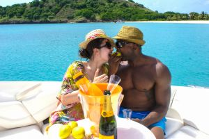 yacht-charter-antigua-barbuda-guests-38.jpg
