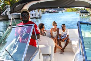 yacht-charter-antigua-barbuda-guests-5.jpg