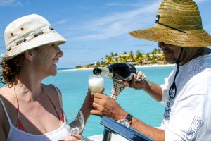 yacht-charter-antigua-barbuda-guests-9.jpg
