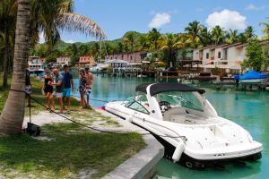 yacht-charter-antigua-barbuda-guests-veuve-clicquot-10.jpg