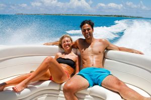 yacht-charter-antigua-barbuda-guests-veuve-clicquot-9.jpg
